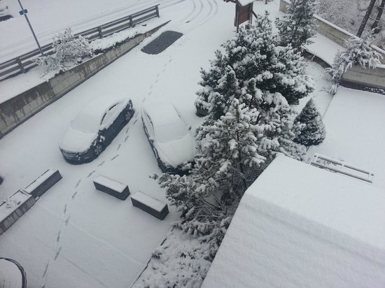 Hotel Chalet Royal: First day in snow