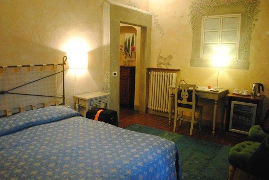 Salvadonica - Borgo Agrituristico del Chianti: Room on the ground floor