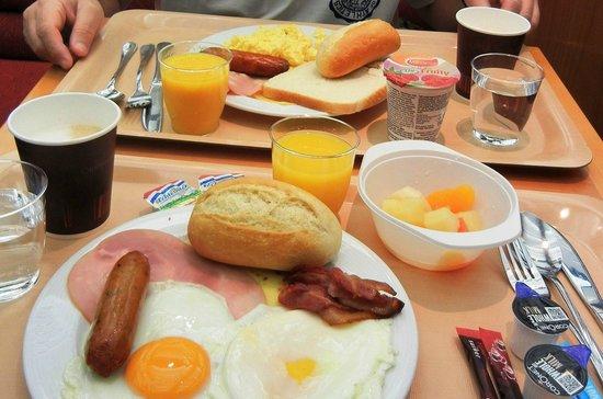 Stena Line Limited - Day Trips : Stena Line café da manhã self-service variado.