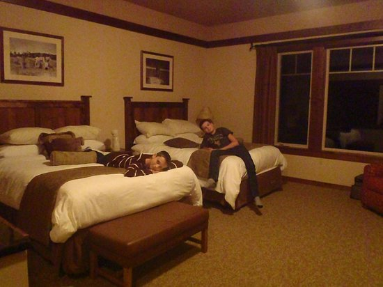 Lodge at Whitefish Lake: 2 Queen Room - Viking Section