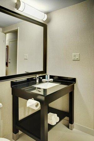 Comfort Inn: New Modern Vanity