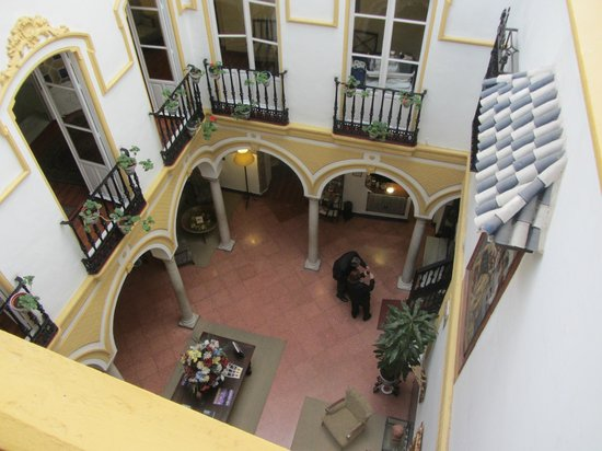 Hotel Abanico Sevilla: patio vu du 2ème étage