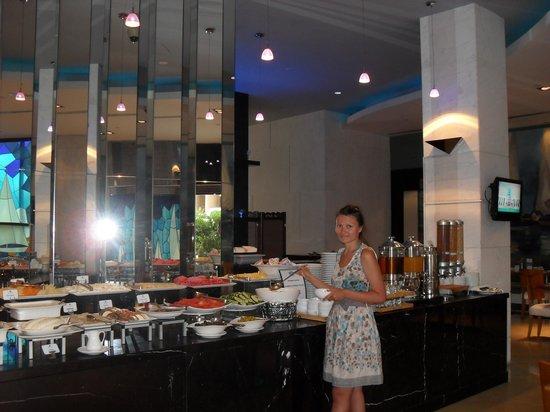 Marina Byblos Hotel: завтрак