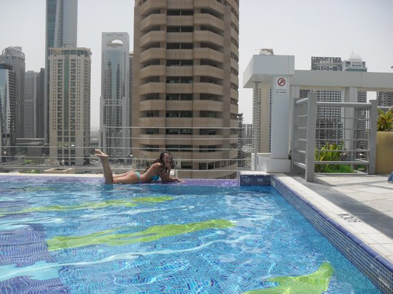 Marina Bay Apartments Reviews