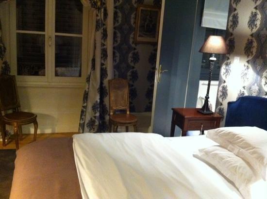 La Maison d'Hotes du Parc: une belle chambre avec un lit douillet.