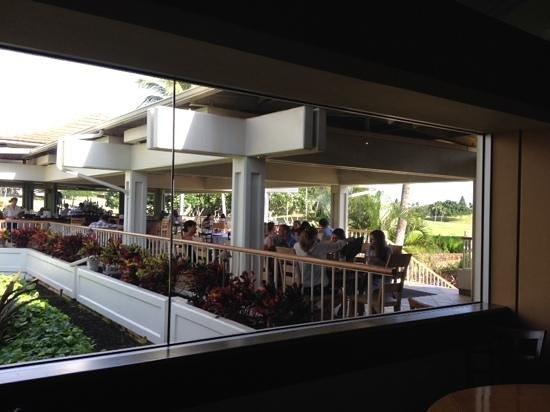 Roy's Restaurant : outside area