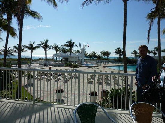 Deauville Beach Resort : Foto da área da piscina (só é bonito, nada mais)