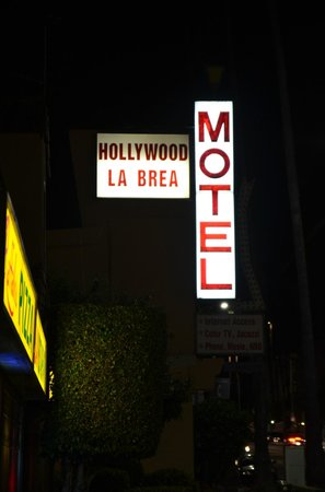 Hollywood La Brea Motel: Front