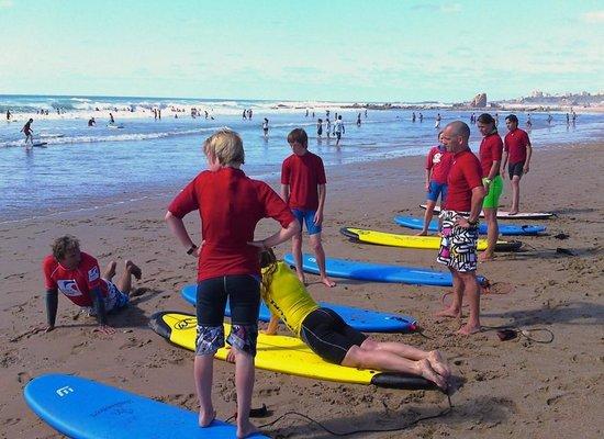 Irigoian : Cours de surf sur la Plage du Pavillon Royal, à 400 m