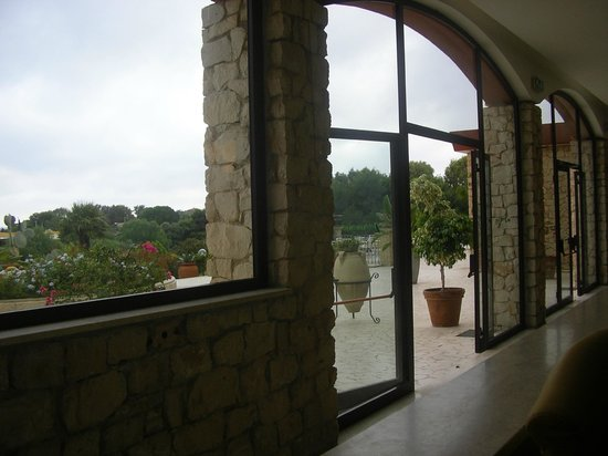 Hotel Conte di Cabrera : vista giardini e mare