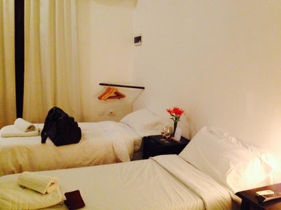 Jam Suites Boutique Hotel : otra foto de la habitacion triple