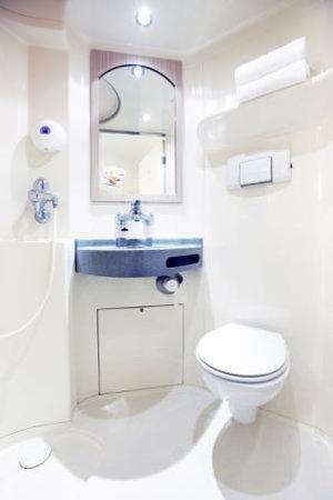 Premiere Classe La Rochelle Sud - Aytre: La Salle de bain