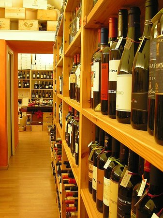Vino & Dintorni Enoteca