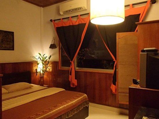 Golden Temple Villa: Standard AC room