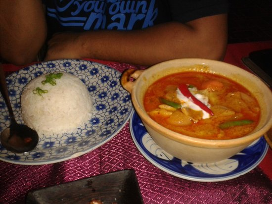 Golden Temple Villa: Khmer cuisine at the restaurant