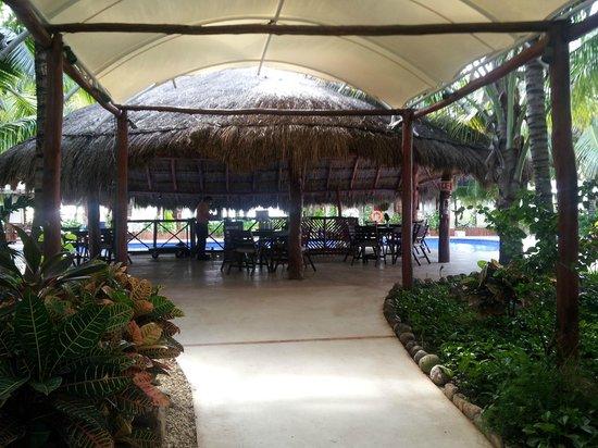 El Dorado Maroma, a Beachfront Resort, by Karisma: 24 Bar at Mi Hotelito's