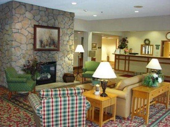 Coshocton Village Inn & Suites: Lobby
