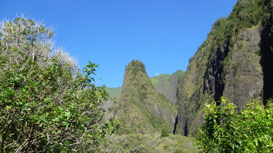 Iao Valley State Monument: Iao Needle am frühen Morgen.