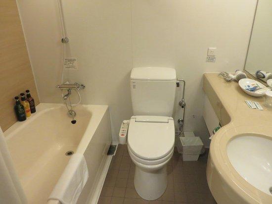 Richmond Hotel Narita: ツインのバスルーム