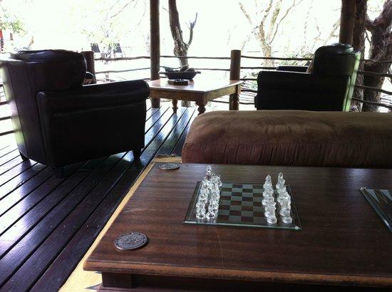 Toro Yaka Bush Lodge : Outdoor living room