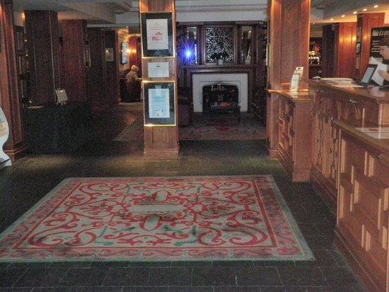 Copthorne Hotel Cardiff-Caerdydd: Hotel lobby