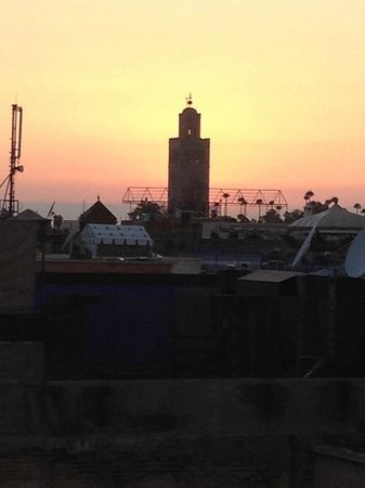 Riad Dar Najat: Roof Deck View at Sunset