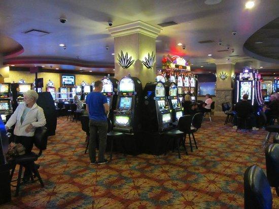 казино рояль 2 онлайн бесплатно