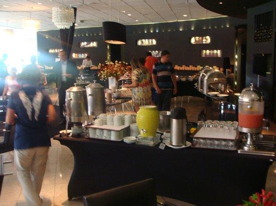 Brasilia Palace Hotel: Desayuno en el Restaurante Oscar