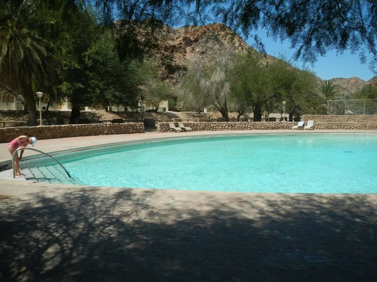 Ai-Ais Hot Springs Resort : Outdoor pool is THE way to cool off.