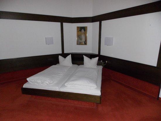 Hotel Sailer: Camera