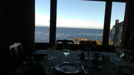 Martine Inn : View from Dining Room