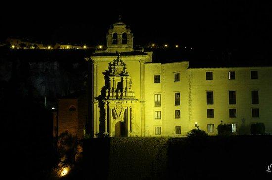 Parador de Cuenca: Vista del Parador desde el Puente de San Pablo