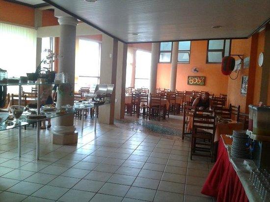 Hotel Terra Brasil: Salão do café. Espaçoso e bem servido!