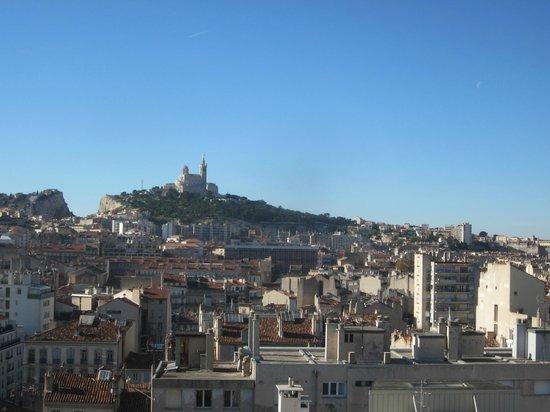 BnB Les Amis de Marseille : vue directe de la chambre