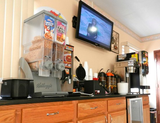 Super 8 Ashland : The cereal was the best part of my stay -- srsly!
