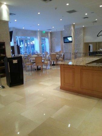 Grand Beach Hotel : Various shots in lobbly