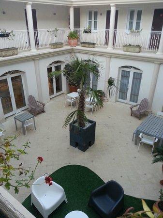 Hôtel La Jetée : Patio
