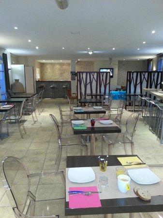 Hotel La Jetee : salle petit déjeuner