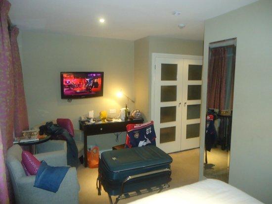 Berjaya Eden Park London Hotel: Quarto