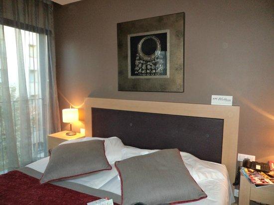 Hotel Villa Emilia : notre superbe lit!