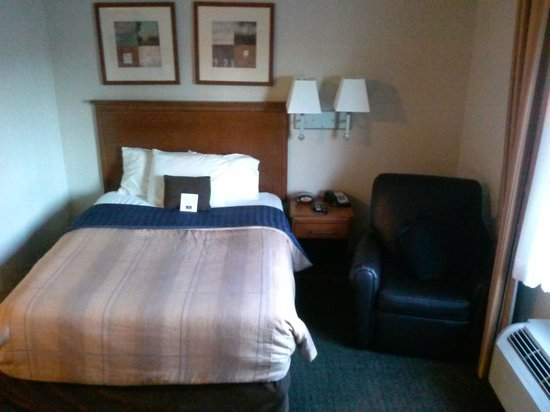 Candlewood Suites New Bern: bed