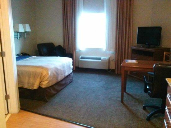 Candlewood Suites New Bern : Room from door