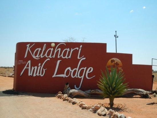 Kalahari Anib Lodge: Great stopover from Fish River Canyon