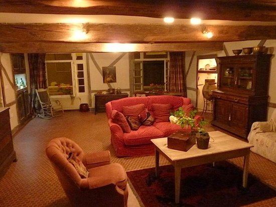 Le Logis Bed and Breakfast : Family Room/Salon/Lounge/Social Room for all to enjoy