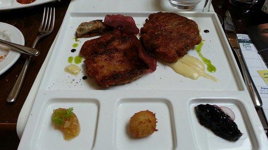 Bottega del Vino Restaurant: Pan-fried pressed turkey wing