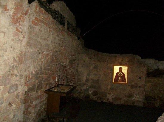 Aboa Vetus & Ars Nova : Археологическая часть музея. Обнаруженный при раскопках храм.