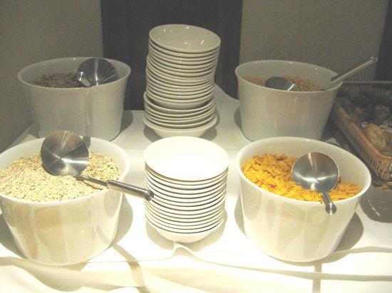 O'Callaghan Alexander Hotel Breakfast Buffet