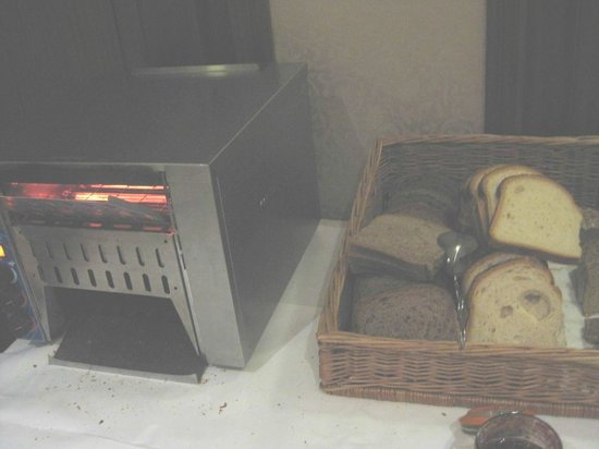 O'Callaghan Alexander Hotel Breakfast Buffet Toaster for Bread