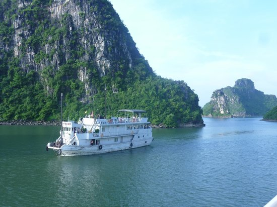 Vietnam Awesome Travel - Day Tours : halong bay