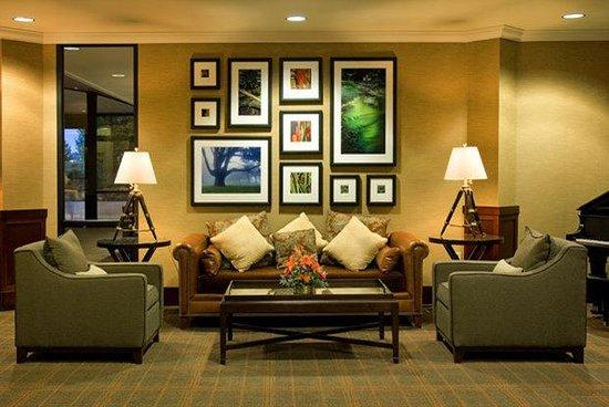 Sheraton Portland Airport Hotel: Lobby